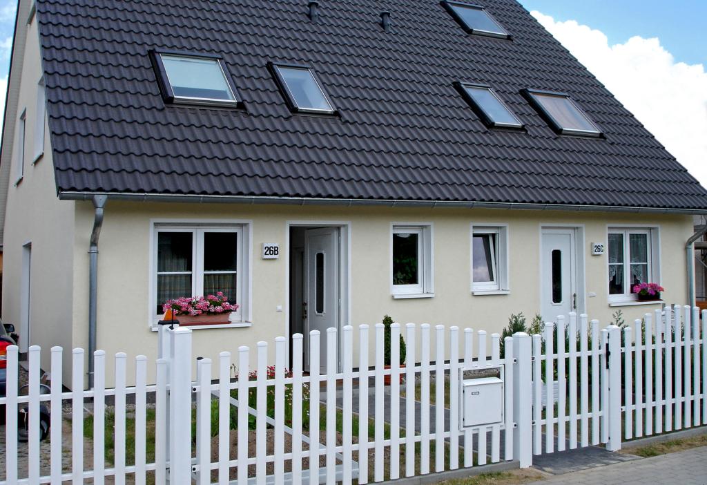 Moderní oplocení domu Classic Nokov