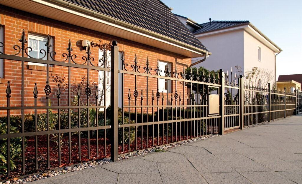 Moderní oplocení domu Lux Nokov