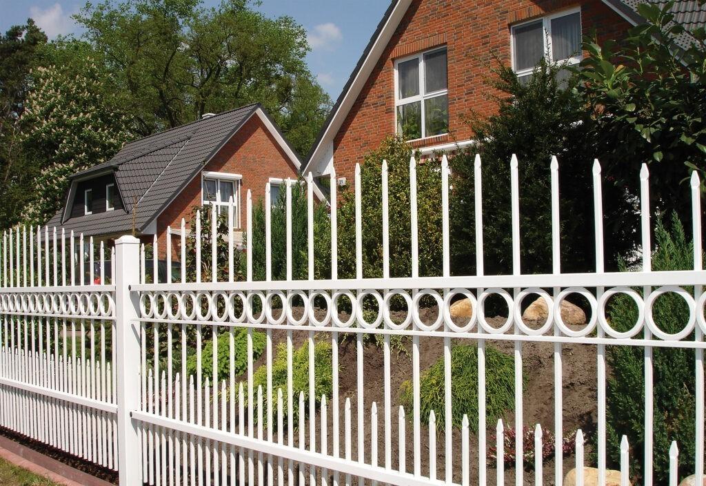 Moderní oplocení domu Style Nokov